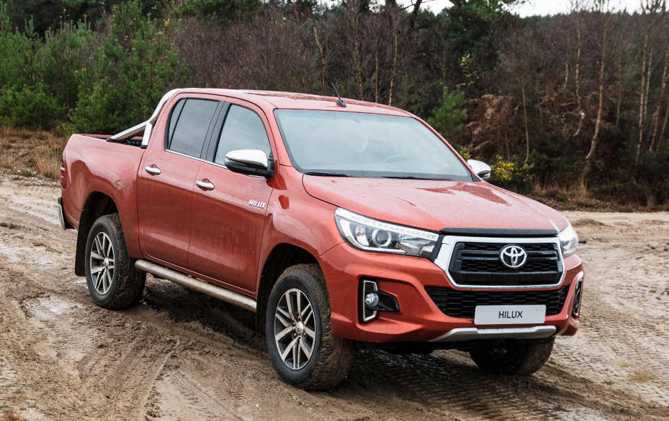 toyota_hilux_special_edition_1.jpg